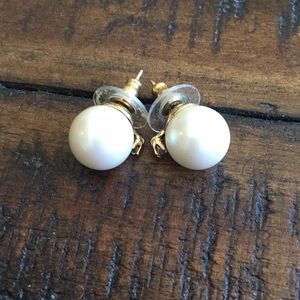 Kate Spade pearls with tiny diamond stud earrings